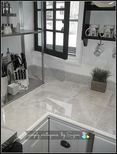 How to Install Granite Tile Countertops (Kitchen Tile) Modern Kitchen Tiles, Diy Kitchen, Kitchen Decor, Kitchen Ideas, Tile Counter Tops Kitchen, Floors Kitchen, Kitchen Slab, Kitchen Cabinets, Awesome Kitchen