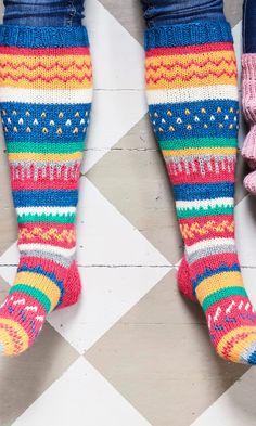 Helpot kirjoneulesukat   Meillä kotona Crochet Socks, Knitting Socks, Knit Crochet, Knit Socks, Crocheting, Christmas, Crochet, Xmas, Ganchillo