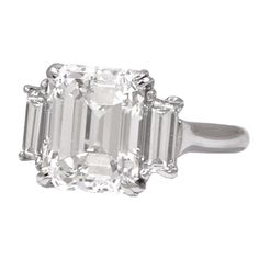 1stdibs - Asher Cut Diamond Trapezoid Cut Diamond Shoulders Ring.   Almost takes my breath away!