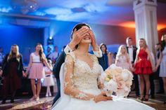 Elegancki ślub i cudowne wesele w Pałacu w Konarach - Białe Kadry Wedding Dresses, Fashion, Stop It, Fotografia, Bride Dresses, Moda, Bridal Gowns, Fashion Styles, Weeding Dresses