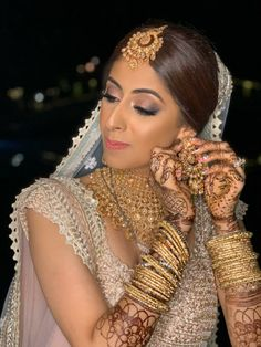 Without some creative bridal portraits, the photography session of the wedding cannot be complete. Here are the Most beautiful and unique bridal portraits ideas for weddings. #shaadisaga #indianwedding #bridalphotoshootposesindian #bridalphotoshootindian #bridalphotoshootpre #bridalphotoshootideas #bridalphotoshootveil #bridalportraitideas #bridalportraitposes #bridegettingready #bridegettingreadyideas #bridegettingreadyphotoshoot #bridegettingreadyposes Bridal Portrait Poses, Thailand Wedding, Bridal Photoshoot, Bride Getting Ready, Lehenga, Veil, Love Story, Most Beautiful, Weddings