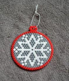 perler beads New Year Perler Bead Designs, Hama Beads Design, Diy Perler Beads, Perler Bead Art, Melty Bead Patterns, Hama Beads Patterns, Beading Patterns, Christmas Perler Beads, Beaded Christmas Ornaments