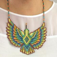 Bead Loom Patterns, Beading Patterns, Beaded Earrings, Beaded Jewelry, Homemade Bracelets, Native Beadwork, Beaded Animals, Fantasy Jewelry, Beading Projects