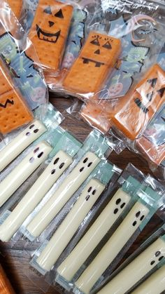 Healthy Halloween echo party snacks. Crackers and peanut butter pumpkins and ghosts string cheese