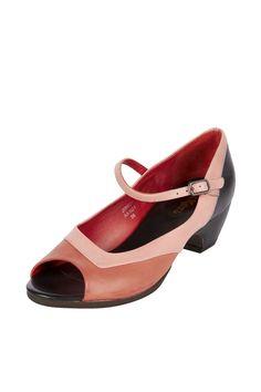 Venda Kickers / 9256 / Mulher / Chinelos e Sapatos de Salto / Sapatos de Salto de Couro Elisa Vermelho e Rosa. 48