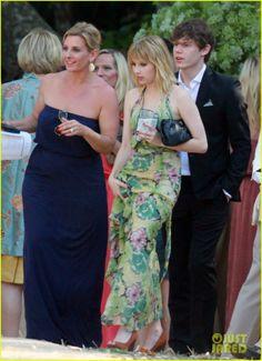 Emma Roberts in Shoemint Courtney