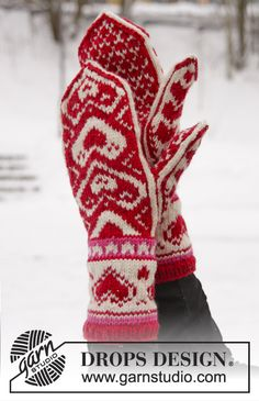 Accessories - Free knitting patterns and crochet patterns by DROPS Design Mittens Pattern, Knit Mittens, Knitted Gloves, Knitting Socks, Free Knitting, Drops Design, Crochet Designs, Crochet Patterns, Magazine Drops
