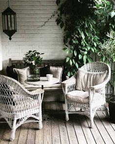 Vintage Chairs, Vintage Decor, Vintage Furniture, Outdoor Furniture Sets, Outdoor Decor, Outdoor Rooms, Fresco, Home Office Bedroom, Black And White Interior