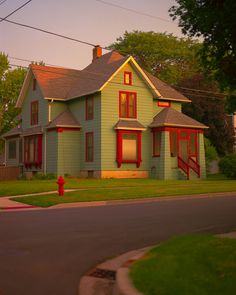 Colours of American midwest : Thomas Jordan Vie Simple, Images Esthétiques, Cute House, Aesthetic Pictures, Scenery, House Styles, Decoration, Places, Satisfying Things