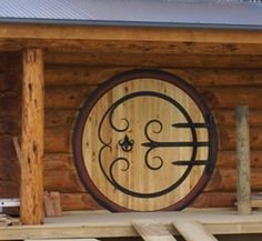 designing a round door – hobbit house style (wheaton laboratories forum at permi… designing a round door – hobbit house style (wheaton laboratories forum at permies) Hobbit Hole, The Hobbit, Style At Home, Cottage Front Doors, Up House, House Floor, Tiny House, Round Door, Cool Doors