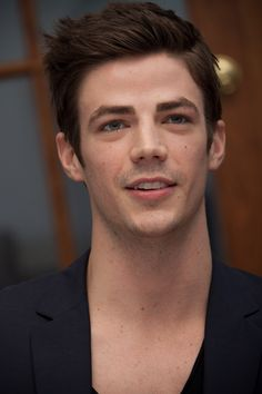 """""""Grant Gustin at a press conference for The Flash at the HFPA Offices in West Hollywood. Hot Actors, Actors & Actresses, O Flash, Flash Barry Allen, Soprano, The Flash Grant Gustin, Cw Series, Dc Memes, Cory Monteith"""