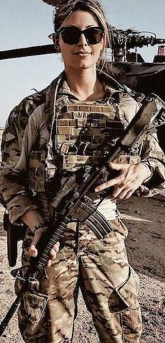 Army Girls, Military Women, Hero World, Military Units, Female Soldier, Military Girl, Armada, Woman Silhouette, Armed Forces