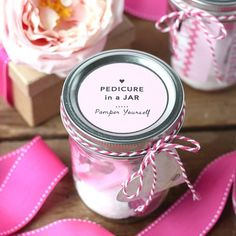 Easy to make Pedicure in a Jar! The perfect DIY gift or party favor for bridal showers and baby showers. Free Printable tags to attach to the top. Homemade Gifts For Friends, Diy Mothers Day Gifts, Diy Gifts, Gift Crafts, Sister Gifts, Sugar Scrub Homemade, Sugar Scrub Recipe, Homemade Soaps, Mason Jar Gifts