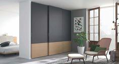 Con unos acabados duales, esta gama de armarios modernos empotrados se complementa con una cuidada proyección de proporciones de primera calidad . Con un sistema equilibrado destaca por su gran almacenamiento y su gran facilidad de acceso. Consultanos en nuestra tienda de muebles modernos y baratos en Madrid.
