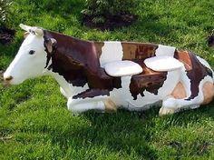 KUH EVI KUHBANK lebensgroß liegend braun weiß Deko Figur Gastronomie Hotel Tier Cow, Horses, Animals, Fine Dining, Paper, Giant Schnauzer, Doberman Dogs, Amusement Parks, Banquette Bench