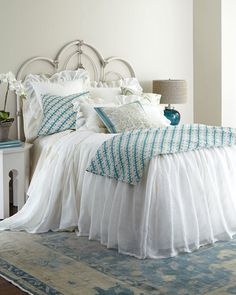 """Pine Cone Hill Queen Savannah Skirted Coverlet, 80"""" x 60"""" with 30"""" drop"""