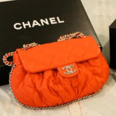 This is perfect...Sissie loved orange & wore Chanel #5 ♥♥