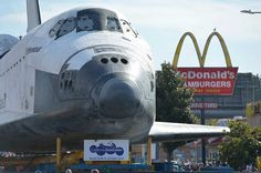 Space Shuttle Endeavour on Crenshaw Blvd. enroute to the California Science Center