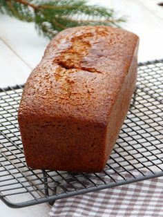 The hyper good spice bread I did it 3 times for my pars I put me . - Pearle Winstead Home Photo Page Sweet Recipes, Cake Recipes, Dishes Recipes, Baking Recipes, Gateau Cake, Spice Bread, Desserts With Biscuits, Summer Dessert Recipes, Food Cakes