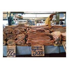 #pirarucu #amazonfishes #driedpirarucu #averopeso #market #belém