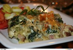 ZAPEČENÉ ŠŤOUCHANÉ BRAMBORY SE ŠPENÁTEM Quiche, Potato Salad, Potatoes, Chicken, Meat, Breakfast, Ethnic Recipes, Food, Morning Coffee