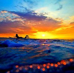 Surfing Sunset, La Jolla, California  photo via surfline