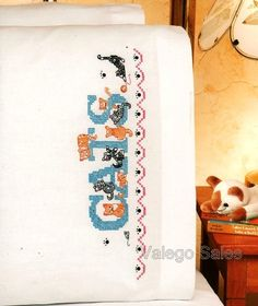 Janlynn Stamped #crossstitch  CATS #pillowcases