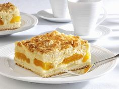 Mandelkuchen mit Aprikosen und Streuseln ist ein Rezept mit frischen Zutaten aus der Kategorie Blechkuchen. Probieren Sie dieses und weitere Rezepte von EAT SMARTER!