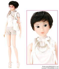 Vanilla Wafer - My first Momoko! I named her Heiko.