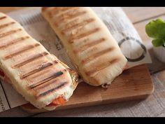 Sandwich et pizza Panini Recipes, Bread Recipes, Pate A Tacos, Pain Panini, Panini Bread, Moroccan Bread, Checkerboard Cake, Homemade Dinner Rolls, Wrap Sandwiches