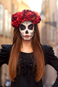 Most current Images Sugar Skull Makeup – This is going to be one of the hottest Halloween costumes. Style Sugar Skull Makeup – This is going to be one of the hottest Halloween costumes this year! Halloween Makeup Sugar Skull, Sugar Skull Costume, Cool Halloween Makeup, Halloween Skull, Vintage Halloween, Vintage Witch, Catrina Costume, Skeleton Makeup, Skull Candy Makeup