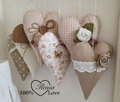 Make sweet rosemary sachets for Valentine's Day Valentine Decorations, Valentine Crafts, Christmas Crafts, Valentines, Christmas Ornaments, Manualidades Shabby Chic, Sewing Crafts, Sewing Projects, Diy And Crafts