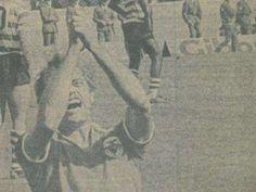 1973/74 - Sporting-Benfica, 3-5. CHEIRO A REVOLUÇÃO.O título estava encaminhado para o Sporting, pel... - Jornal Record
