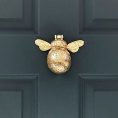 Suitable for wooden, PVCu and composite doors, our Solid Brass Bumble Bee door knocker would look at home on the door of a cottage, town house or modern home. Free UK delivery included on this product and international delivery available! Pvcu Doors, Entry Doors, Wood Doors, Entrance, Nate Berkus, Brass Door Knocker, Door Knobs And Knockers, Antique Door Knockers, Door Knockers Unique
