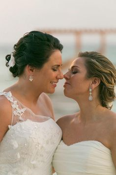 #Love #Love and more #Love amazing girls thank you Alicia and Lisa for choose us  #VoEvolution #BeautyMakers #GayWedding #PlayaDelCarmen #RivieraMaya