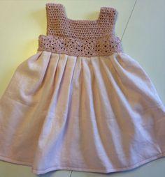 20 ideas knitting dress baby tutus for 2019 Crochet Yoke, Crochet Diy, Crochet Fabric, Crochet Blouse, Crochet For Kids, Knit Dress, Vintage Girls Dresses, Little Girl Dresses, Baby Dresses
