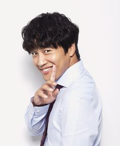 He's not as handsome as many other actors, but Cha Tae Hyun surely has that one of a kind charm that makes you love this father of three. Korean Wave, Korean Star, Cha Tae Hyun, Korean Actors, Father, Handsome, Japanese, Tea, Guys