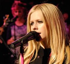 Best Avril Pics (@BestAvrilpics)   Twitter