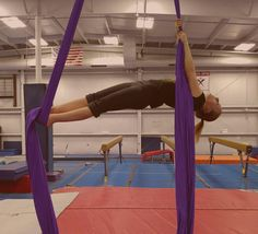 Rotating Russian Climb/Russian Roll Up performed by Chloe Welton