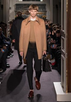 Valentino Official Website - Discover the Valentino Men Collection. Watch the Fashion Show, Accessories and much more.