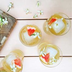 Flowers and booze: happy hour just got happier (and more elegant) thanks to these gorgeous and delicious floral cocktails. This summer, mix your alcohol with blooming flavors for a pretty twist on classic drinks. Kate Richards of @farmandfoundry shares these cool drinks, which include a garden gimlet, absinthe orange and chamomile gin fizzes, rose mint cucumber cooler, and citrus blossom sangria.