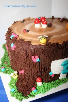 Treestump cake with bugs, toadstools etc
