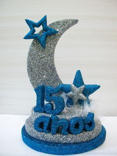 Enfeite De Mesa Luna 15 anos Quinceanera Centerpieces, Quinceanera Party, Table Centerpieces, 15th Birthday, Birthday Parties, Rose Gold Quinceanera Dresses, Styrofoam Crafts, Quince Decorations, Star Party