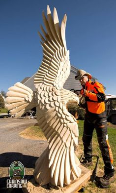 7 foot eagle carved in Pine Holzschnitzen , 7 foot eagle carved in Pine 7 foot eagle carved in Pine. Driftwood Sculpture, Art Sculpture, Animal Sculptures, Tree Carving, Wood Carving Art, Wood Carvings, Chainsaw Carvings, Chain Saw Art, Creation Art
