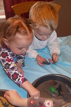 ocean theme group activities- a bunch that Angie could do with the toddler class.