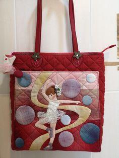 Burlap, Reusable Tote Bags, Quilts, Appliques, Hessian Fabric, Quilt Sets, Log Cabin Quilts, Quilting, Quilt