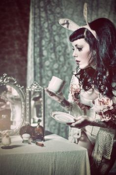 The Alice in Wonderland theme is returning. Love this photo!