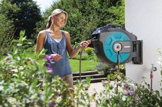 Automatic Hose Reel Retracts In 30 Seconds -  #gadgets #gardening #outdoors #robots