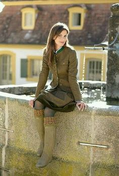 German Girls, German Women, Scottish Women, Beautiful Color Combinations, Style Me, Vintage Fashion, Pure Products, Clothes For Women, Womens Fashion