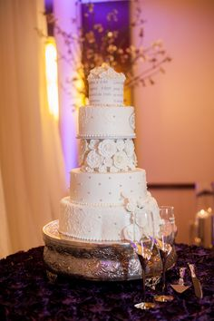 Amazing White Wedding Cake with Flowers, Lace and Pearls, Southern Event Planners, Memphis Weddings